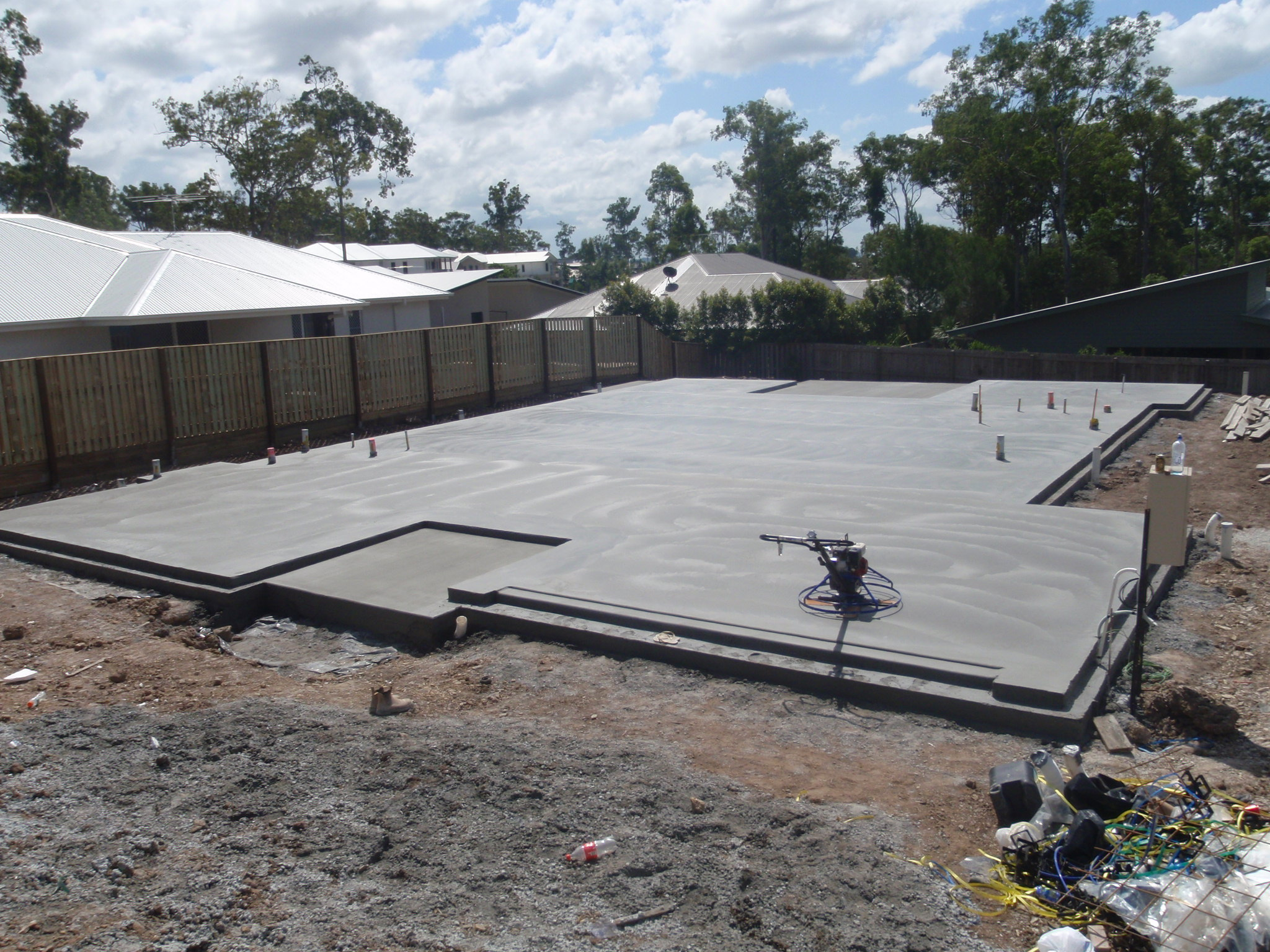 Concrete house slab brisbane concrete landscaping for Building a house on a slab